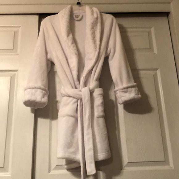 94b78b8cca45 Sonoma Intimates & Sleepwear | Womens White Faux Fur Robe Medium ...